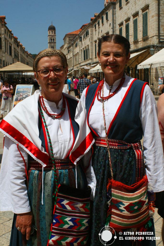 Bailes típicos en el centro de Dubrovnik