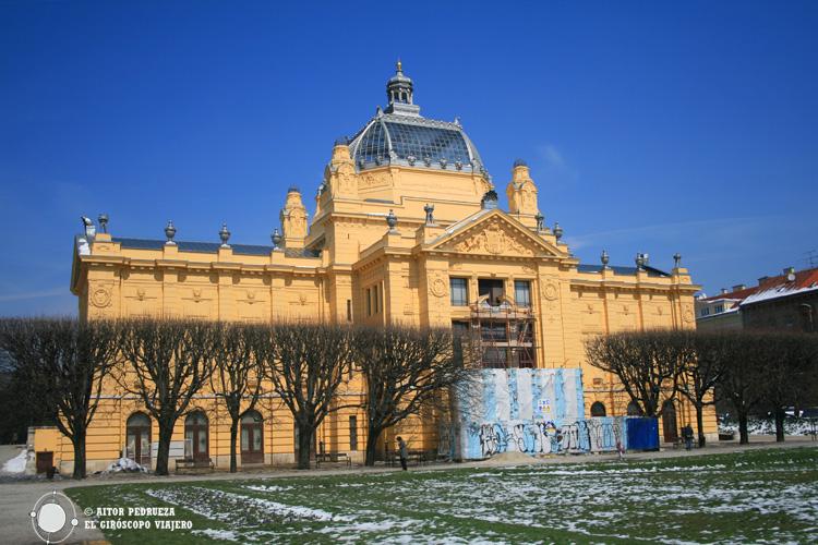 Edificio del Pabellón de Arte en la plaza del rey Tomislav
