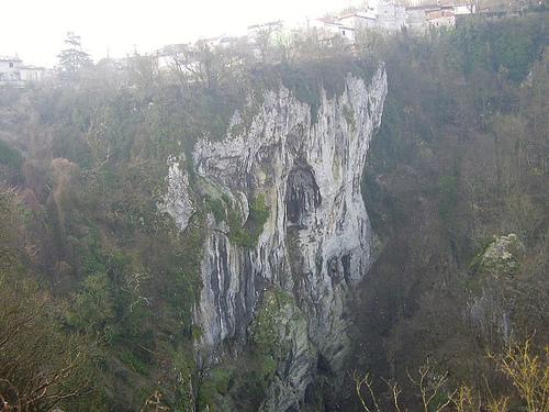 Cueva de Pazin